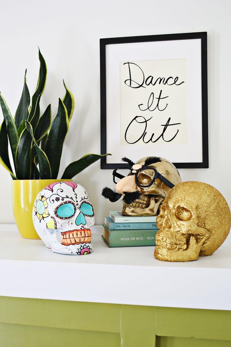 Diy cute halloween skulls