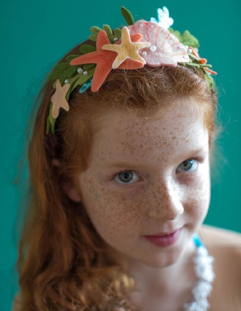 Diy no-sew mermaid crown DIY Mermaid Costume Ideas For Adults And Kids You Can Make This Halloween