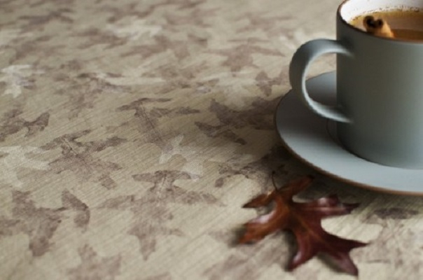 Fall leaf patterned tablecloth DIY Tablecloths Ideas For Fall, Holiday And Any Day You Want