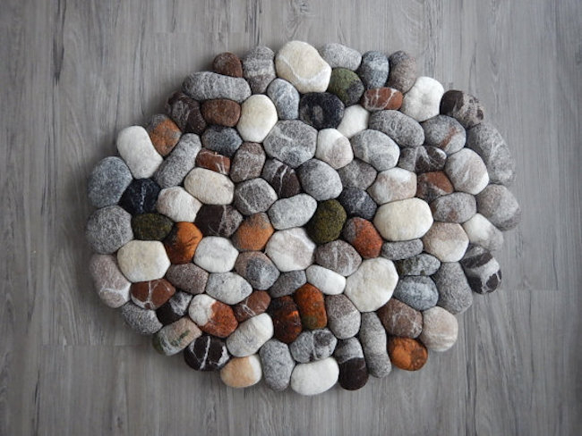 Felt pebble bath mats DIY Spa-Like Bathroom Mat Ideas That Made Of Nature Materials.