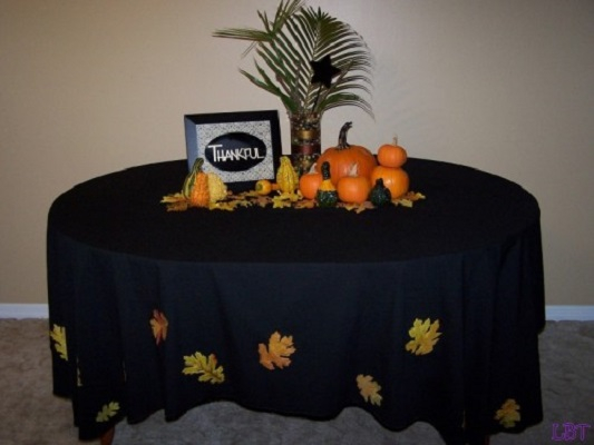 Festive fall tablecloth DIY Tablecloths Ideas For Fall, Holiday And Any Day You Want