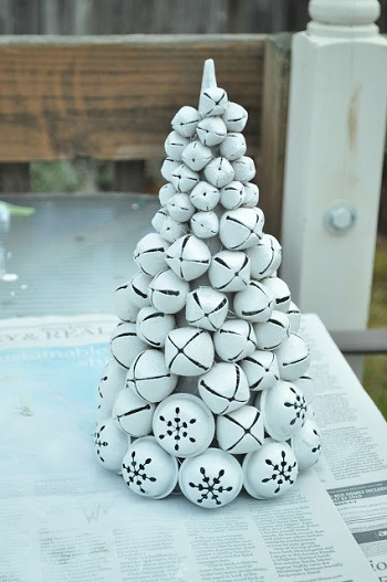 Bell tree DIY Jingle Bell Christmas Decorations And Crafts To Convey Your Christmas Spirit