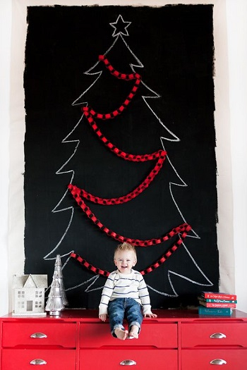 Black chalkboard christmas tree DIY Unexpectedly Black Christmas Tree Ideas For A Twist On Tradition