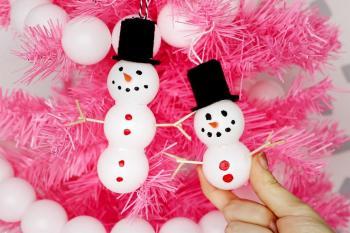Diy pom pom snow man