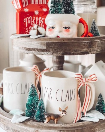 Mr and mrs claus cups