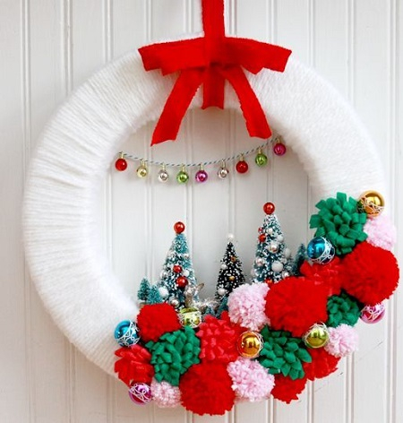 Retro winter wonderland wreath Conspicuous DIY Christmas Wreaths To Offer You A Captivating Decoration