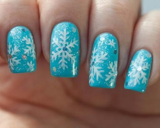 Sparkling snowflakes nails DIY Marvellous Christmas Nail Art Ideas To Let Your Nails Shining All Day