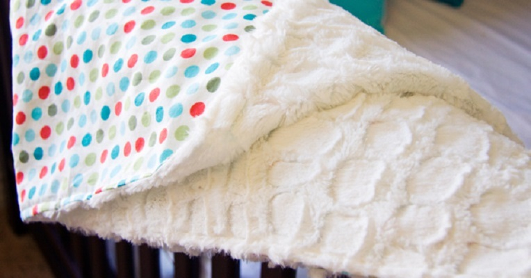 Cotton print and minky baby blanket DIY Winter Blankets To Keep Your Baby Warm Even When Go For A Walk