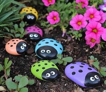 Diy ladybug painted rocks DIY Ideas Of Full Spirit Artworks To Have Energetic Garden