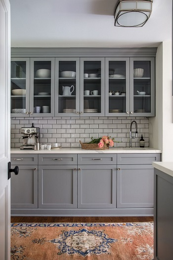 Soothing grays How To Display China Touch To Your Home Decoration For Beautiful Spaces