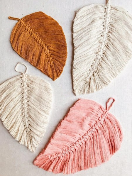 Wonderful feathers for your wall