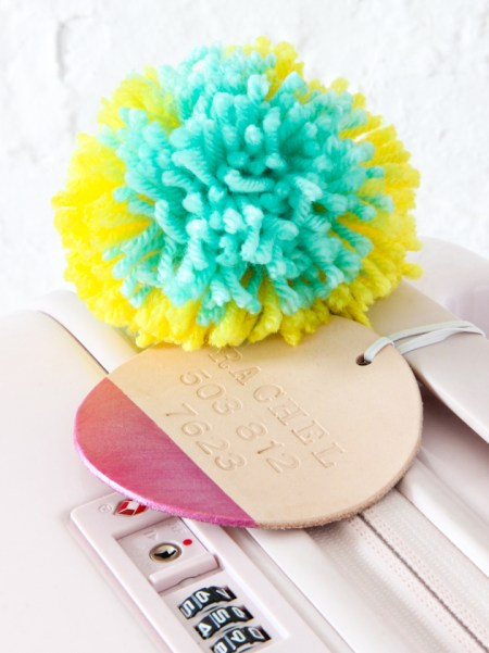 Dipped leather luggage tag