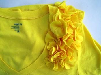 Diy t-shirt with flutter flower