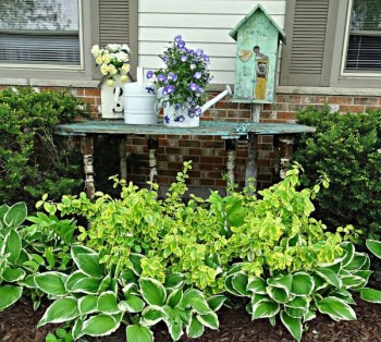 Diy weathered table for garden