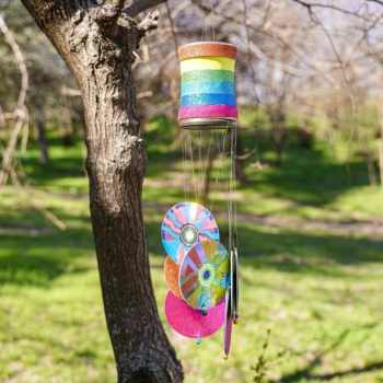 Cd and tin can wind chime