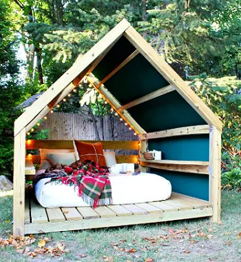 Diy outdoor cabana lounge DIY Outdoor Bed Projects You Can Do For Relaxing Time