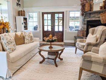 Gorgeous home decor with mustard touches to feel warm during this fall 1