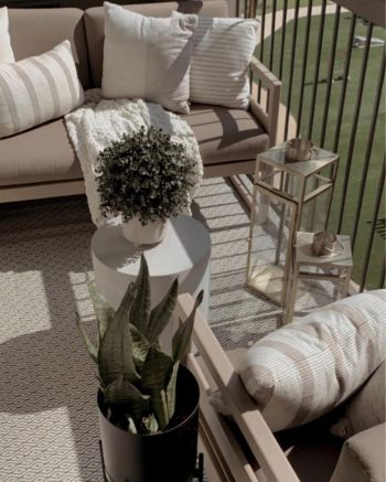 Simple ways to upgrade apartment decor this fall 5