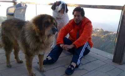 Sachin Tendulkar with his Bhotia and Saint Bernard dogs.
