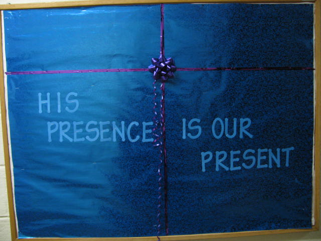 Christmas Bulletin Board 10 - His Presence is Our Present from nettojoy.wordpress.com