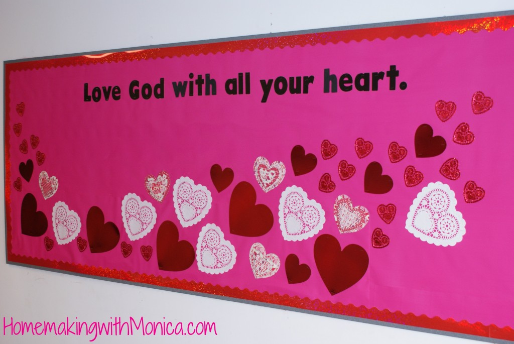 Schön Valentines Day Bulletin Board   Love God With All Your Heart.