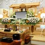 仏教のお葬式の祭壇