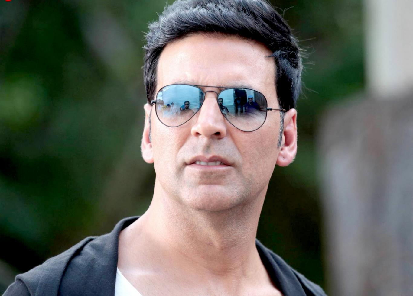 Akshay kumar themes download.