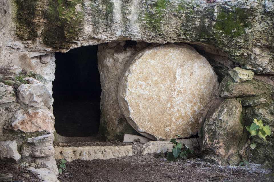 empty tomb Easter
