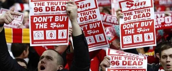 """""""don't buy the Sun"""" à Wembley"""