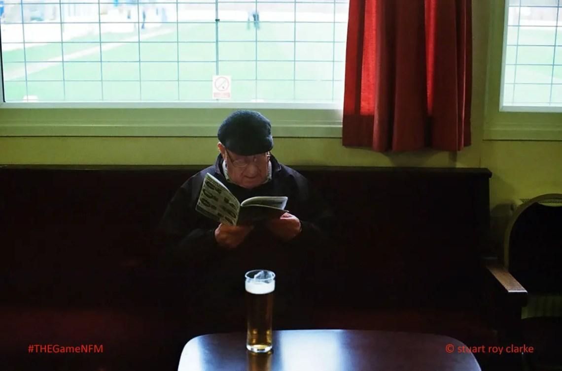 Une lecture des seules générations âgées ? (photo du @FootballMuseum de Manchester)