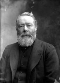Portrait d'Arthur Kinnaird, joueur des Wanderers et des Old Etonians, et Président de la FA de 1890 à 1923