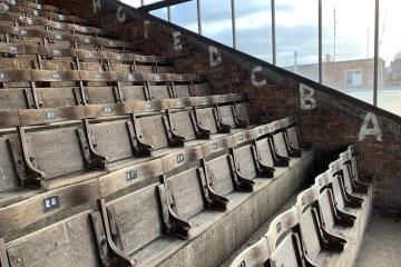 Les fantastiques sièges ancestraux de Bootham Crescent - Photo @maximeb7