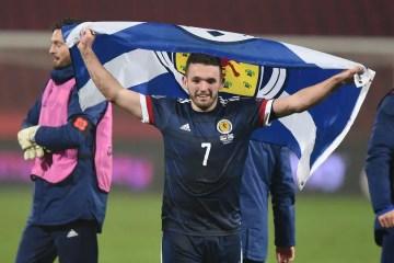John McGinn célébrant la qualification à l'Euro (Crédits : Getty Images)