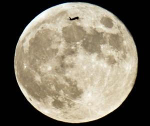 Moon may be shrinking, US scientists say