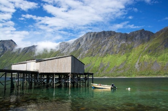 Gryllefjord. Foto:Copyright: uhg1234 / 123RF Stock Photo