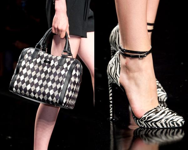 John-Richmond-Los-Mejores-Bolsos-y-Zapatos-Primavera-Verano2014-Milan-Fashion-Week-godustyle