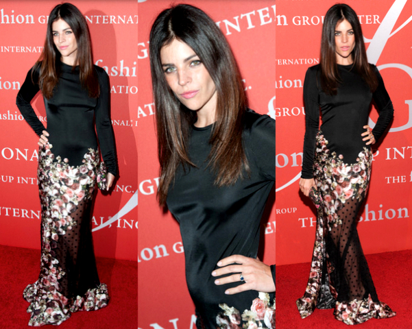 JULIA RESTOIN con vestido de GIVENCHY - 30TH NIGHT OF STARS GALA