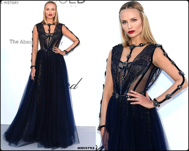 natasha-poly-fashion-look-amfar-gala-cannes-2018-style-details-godustyle