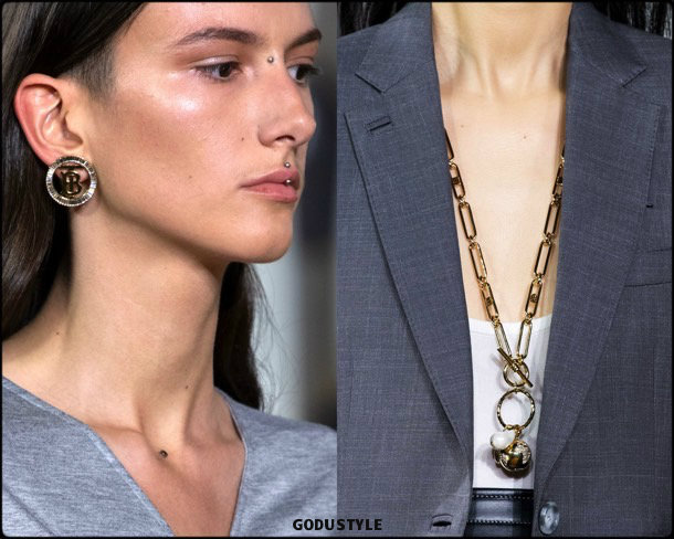 burberry, jewelry, spring 2020, lfw, look, style, details, beauty, joyas, verano 2020, trends, tendencia, review, moda, accessories