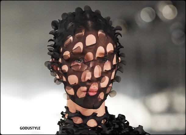 maison-margiela-fashion-face-masks-coronavirus-look-street-style-details-shopping-accessories-2020-moda-godustyle