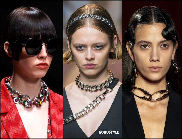 chain-jewelry-fall-2020-winter-2021-fashion-trend-look8-style-details-joyas-tendencia-moda-godustyle