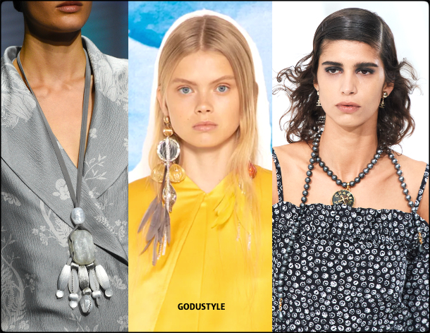 ultimate-grey-fashion-color-2021-pantone-trend-jewelry-style-look-details-moda-tendencia-color-gris-godustyle