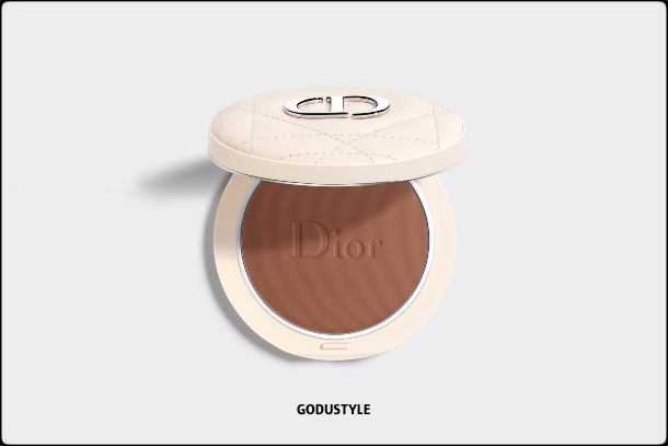 dior-summer-dune-2021-fashion-makeup-collection-beauty-look-style-details-shopping15-maquillaje-belleza-moda-verano-godustyle