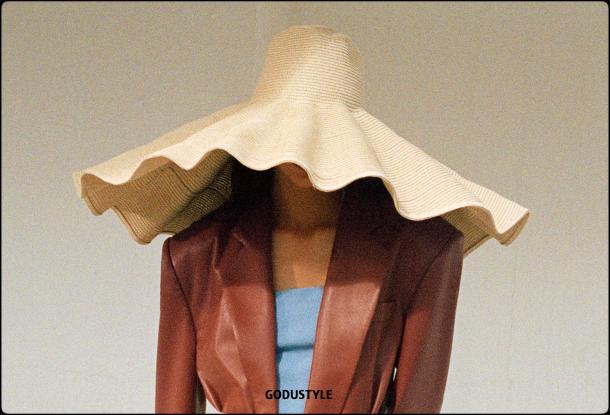 raffia- straw-hats-spring-summer-2021-accessories-fashion-trends-look10-style-details-shopping-moda-verano-goddustyle