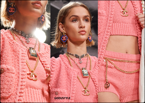 chanel-spring-summer-2022-collection-fashion-beauty-look5-style-accessories-jewelry-details-moda-godustyle
