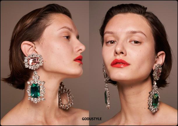 giambattista-valli-fashion-beauty-spring-summer-2022-trends-look3-style-details-belleza-tendencias-verano-godustyle