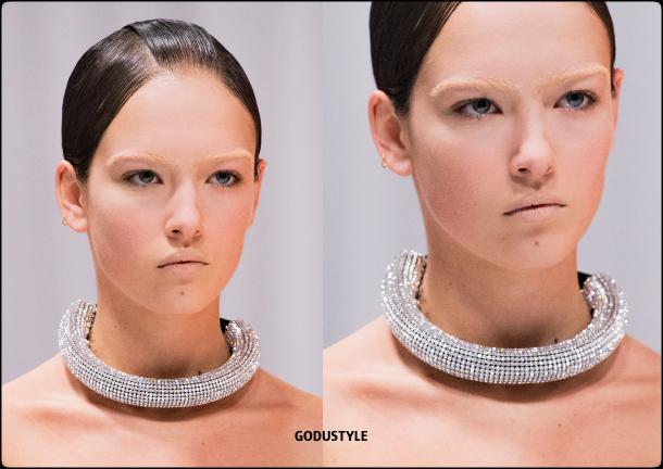 richard-quinn-fashion-beauty-spring-summer-2022-trends-look-style-details-belleza-tendencias-verano-godustyle.jpg