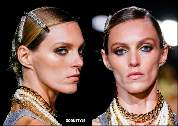 tom-ford-fashion-beauty-spring-summer-2022-trends-look10-style-details-belleza-tendencias-verano-godustyle