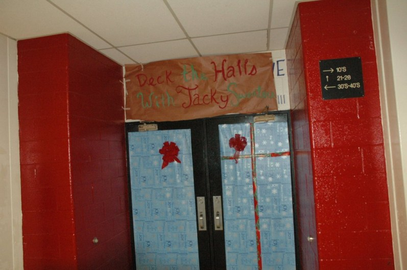 The entrance doors to the 20's hallway.