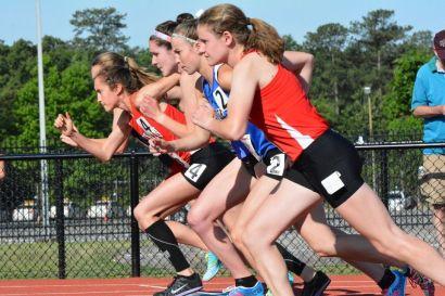 Girls' 3200 meter start